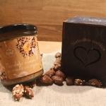 Dāvana Mandeļu krēms ar medu un ingveru (170g) koka kastītē