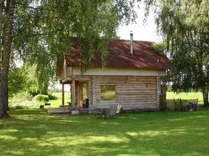 Bienes, lauku māja