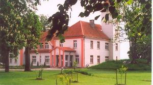 Latvijas Valsts pirmā prezidenta Jāņa Čakstes dzimtas mājas- Auči, muzejs