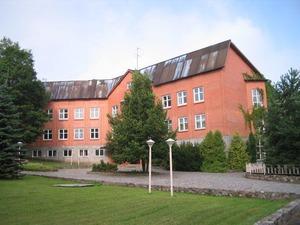 Kalnu vidusskola