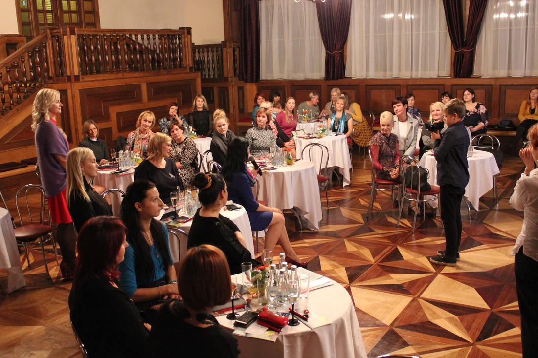 19.oktobrī Kandavas kultūras namā notika novada sieviešu - uzņēmēju tikšanās ar biedrības Līdere vadītājām