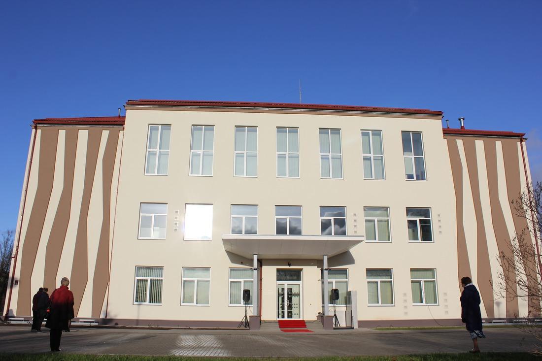 14.novembrī svinīgi pēc pārbūves tika atklāta Kandavas Mākslas un mūzikas skola.