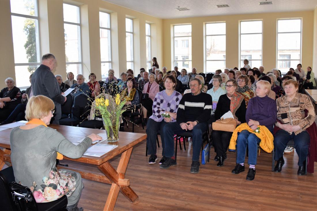 9.aprīlī Pensionāru Dienas centra zālē notika Kandavas novada pensionāru biedrības kopsapulce