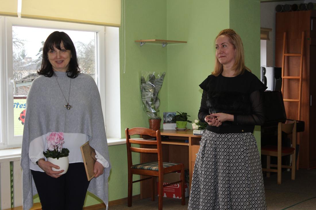 Dabas vides estētikas studijas vadītāja Diāna Timofejeva un bērnudārza vadītāja Dina Tauriņa