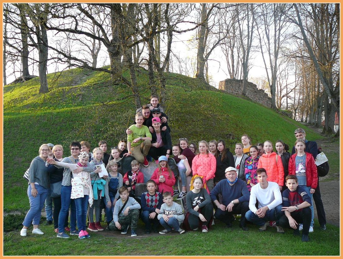 LOKSAS MS (Igaunija) audzēkņi un skolotāji