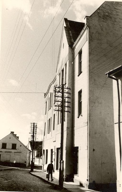 Padomju (tagad Lielā) ielā 27