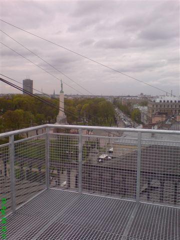 metala-balkonu-margas.jpg