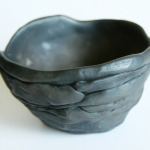 Trauciņš. Augstums 8 cm.Keramikas bļoda