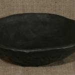BĻODA. Augstums 6cm,diametrs 23cm.Keramikas bļoda.Svēpētā keramika, slāpētā keramika, melnā keramika, roku darbs, hand made, craftman, ceramica, food fired, Latvia, Kandavas keramikas ceplis