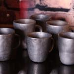 Krūzes.Svēpētā keramika, slāpētā keramika, melnā keramika, roku darbs, hand made, craftman, ceramica, food fired, Latvia, Kandavas keramikas ceplis