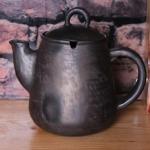 TĒJKANNA! Svēpētā keramika, slāpētā keramika, melnā keramika, roku darbs, hand made, craftman, ceramica, food fired, Latvia, Kandavas keramikas cepliskandavas keramikas ceplis keramika tējkanna svēpētā slāpētā keramika