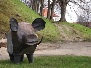 Mežakuilis, skulptūra