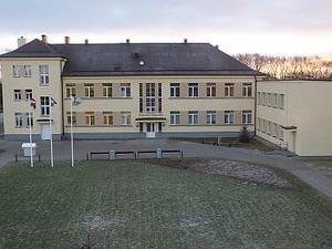 Nautrēnu vidusskola