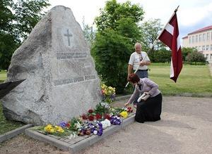 Staļinisma upuru piemiņas akmens