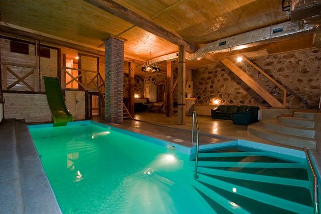 Фото домов с бассейном и сауной