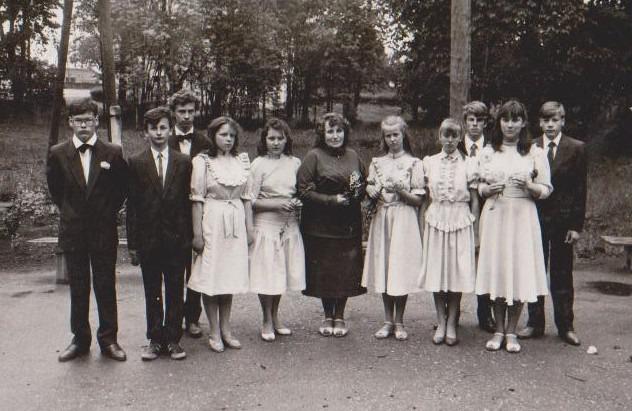 Vānes skolas izlaidums 1990