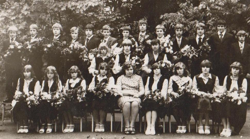 Vānes skolas izlaidums 1982