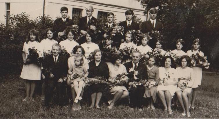 Vānes skolas izlaidums 1971
