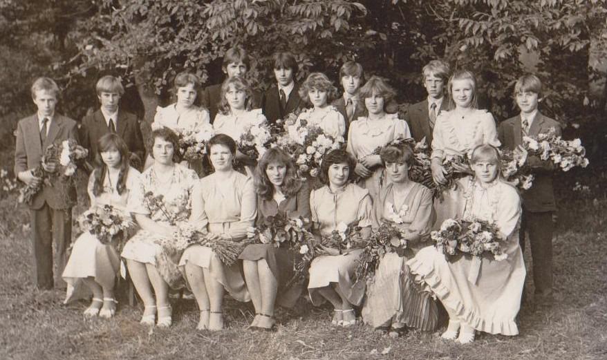 Vānes skolas izlaidums 1983