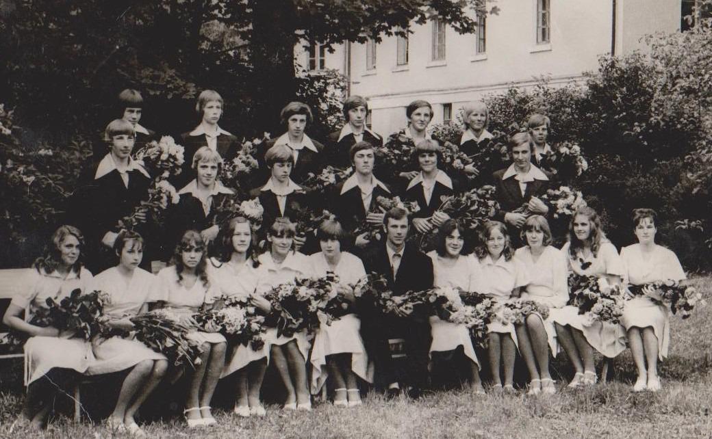 Vānes skolas izlaidums 1977