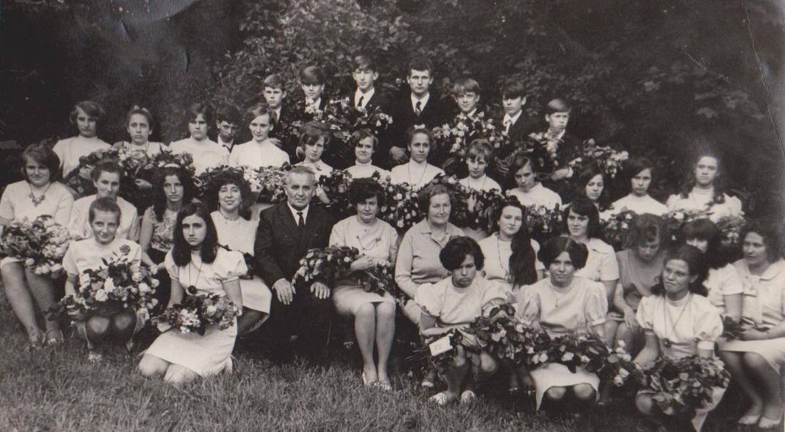 Vānes skolas izlaidums 1972