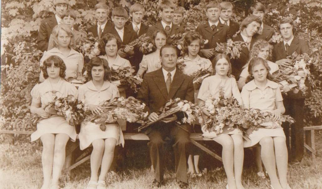 Vānes skolas izlaidums 1976