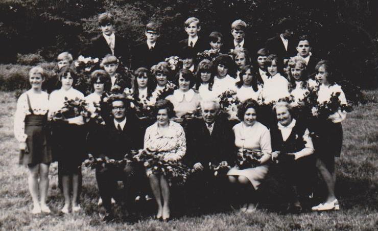 Vānes skolas izlaidums 1975