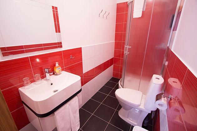 http://www.viss.lv/dati/villa_vanilla/gimenes-numura-dusa-ar-toaleti.jpg